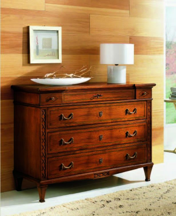 05.06.343 Chest of drawers