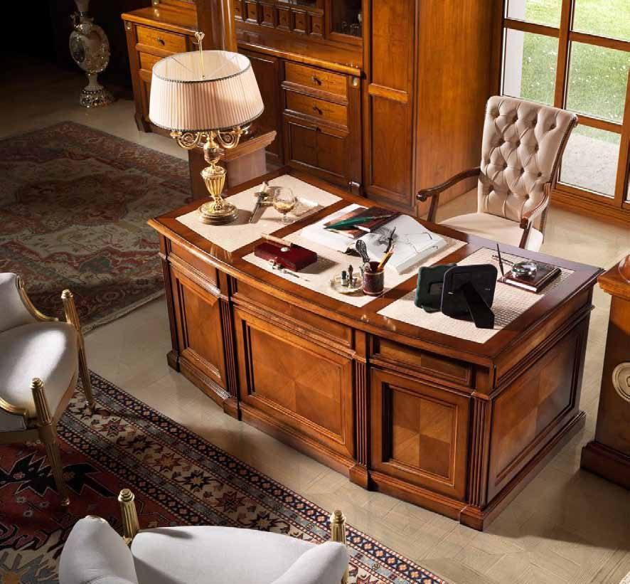 811_Desk-with-drawer-and-one-door-top-covered-in-leather