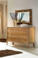 857 Chest of three drawers