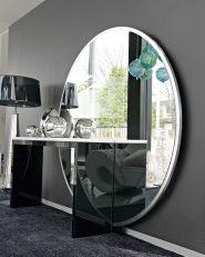 Geschliff-ener-Standspiegel-mit-Holzunterbau-in-Silber_207.403