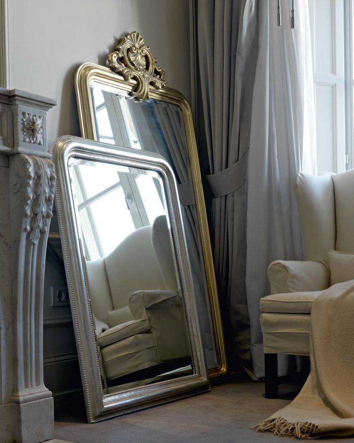 Holzrahmen-mit-Krone-in-Silber-oder-Gold-und-mit-facettiertem-Spiegel_275.303F