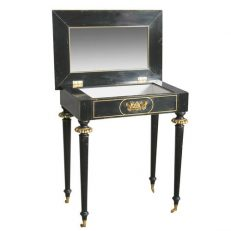 JOSEPHINE-NAPOLEON-III-DRESSING-TABLE