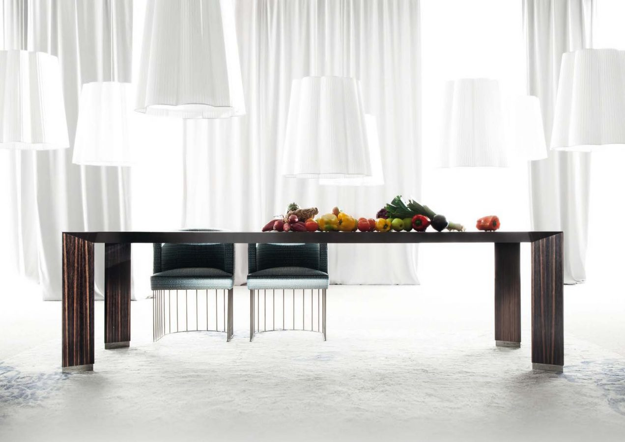 Pensami Dining table