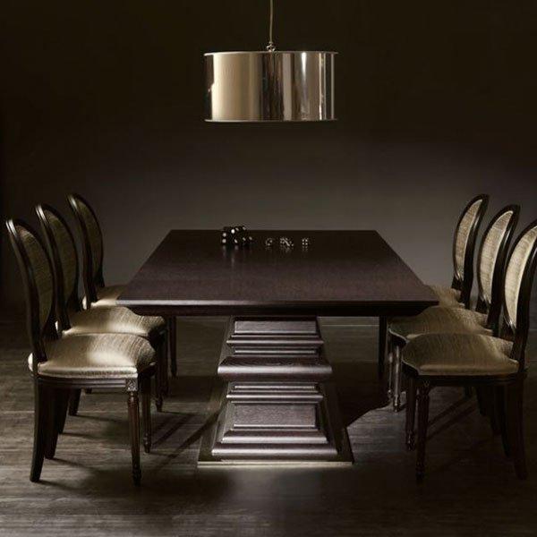 Tische und Desks